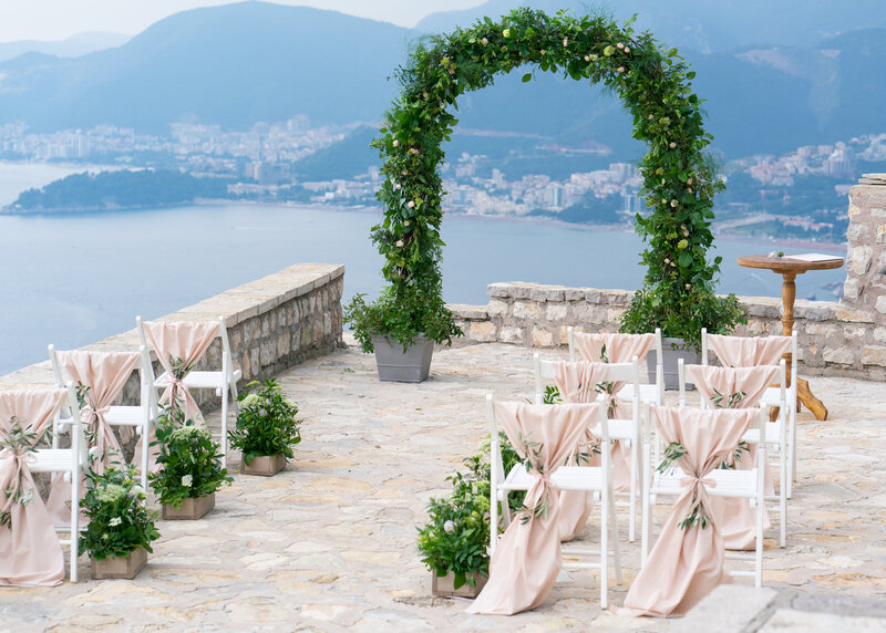 arch-wedding-ceremony-ocean