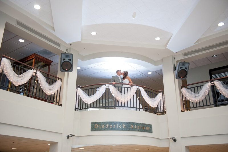 ndsu_alumni_center_fargo_wedding_reception_and_dance_venue_photos_by_kris_kandel__2