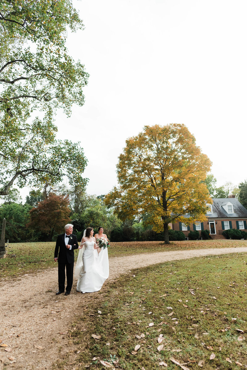 Juliette + Kevin-Upper-Shirley-Vinyards-Charles-City-Virginia-Wedding_Gabby Chapin Photography_00352