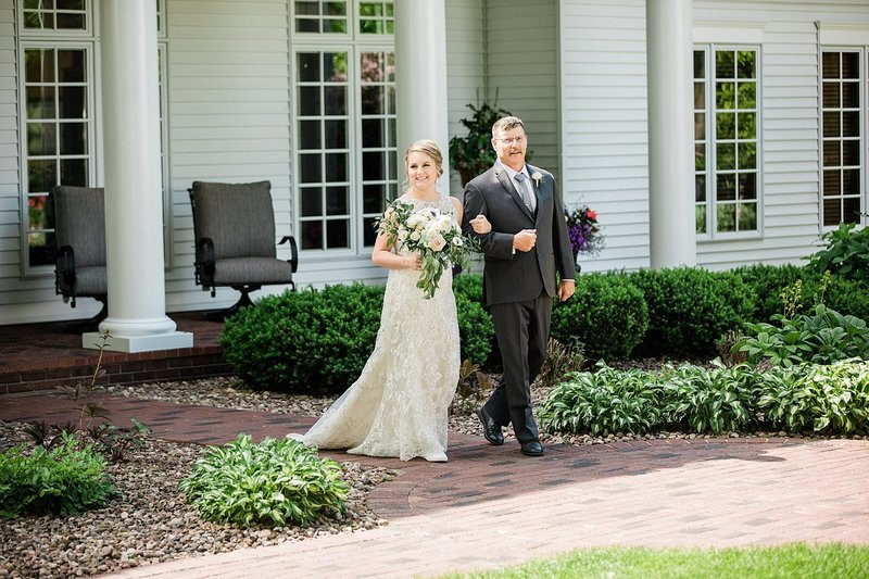 24-Southern-Inspired-Backyard-Estate-Wedding-James-Stokes-Photography