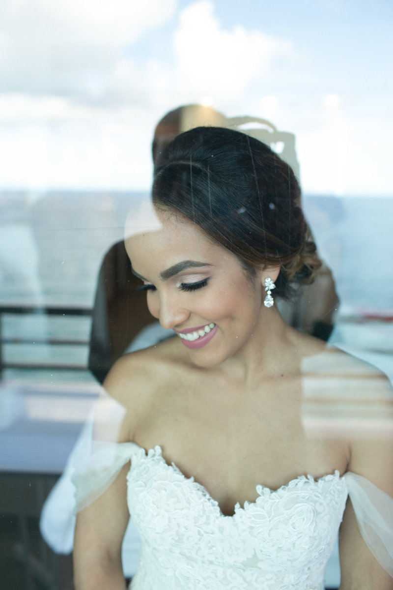 Bridal portrait in La Concha San Juan Resort