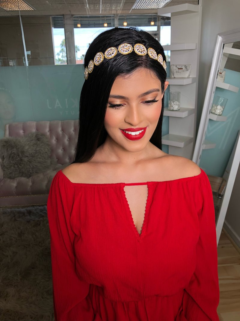 Makiaj Beauty Rethinks natural beauty by innovating  the way they do artistry. They do  natural, bronze, corrective, beauty, southeast asian and western bridal makeup for bridal and special events they are serving you  worldwide,  Arizona, Phoenix and Scottsdale makeup artists.