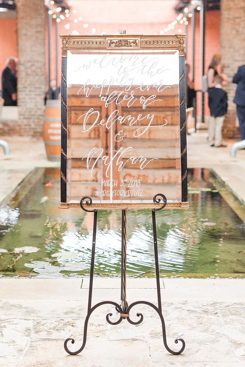 The Ingenhuette on High in Comfort Texas Wedding Venue photos by Allison Jeffers Photography_0011