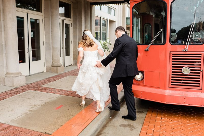 32_Downtown-Wausau-Wedding-Photos-James-Stokes-Photography