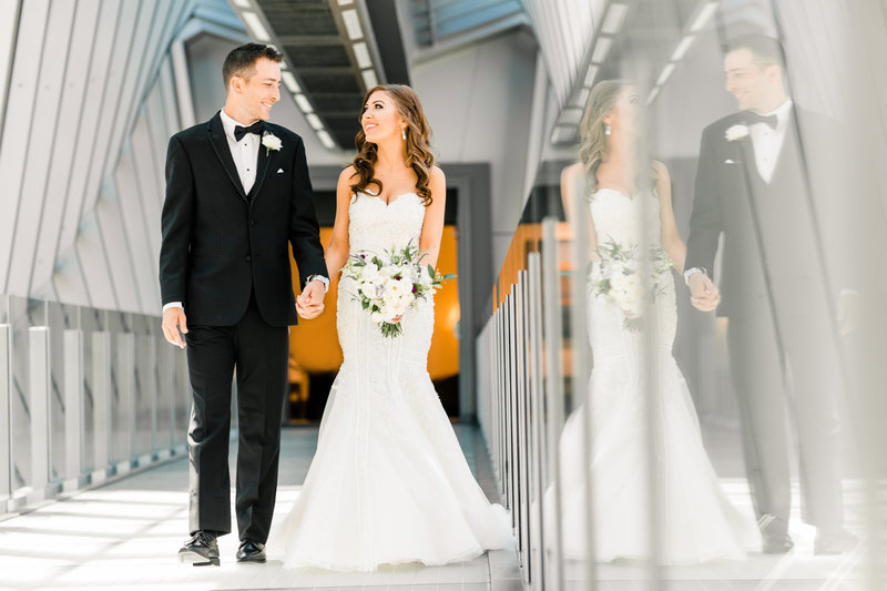 Hilton_skywalk_wedding