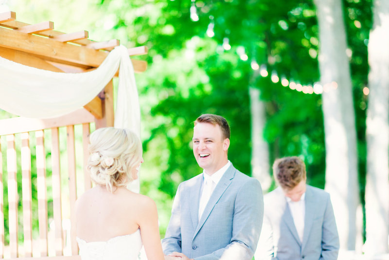 the best wedding pictures you'll ever want for your michigan wedding