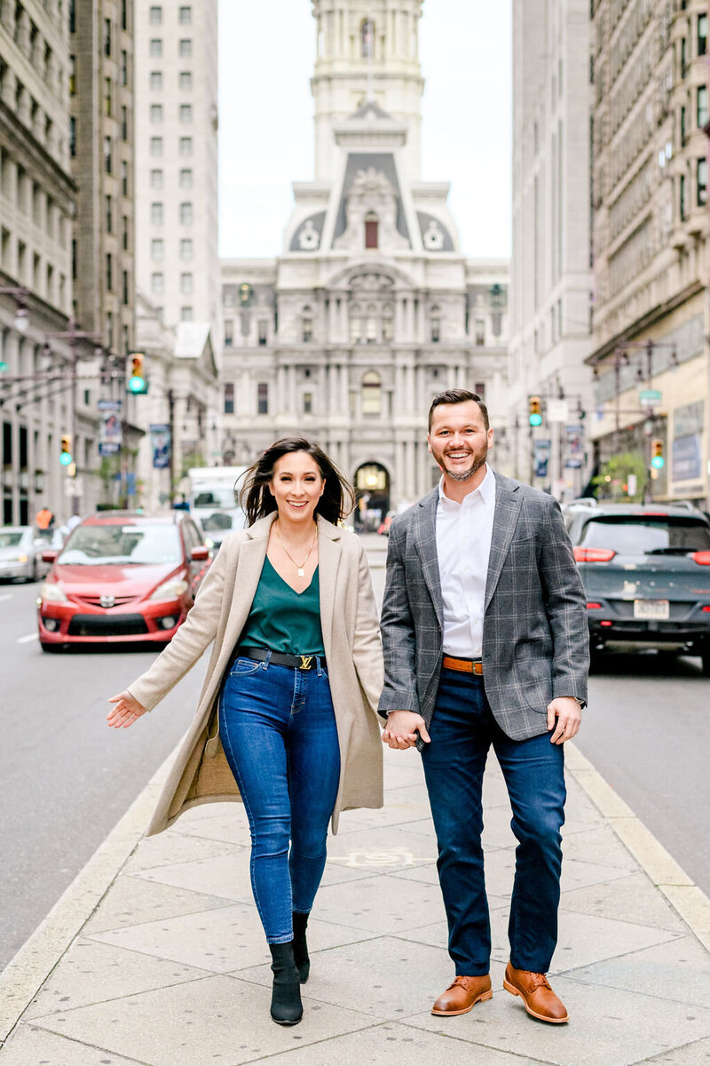 city-hall-race-street-elfreths-alley-engagement-andrea-krout-photography-16