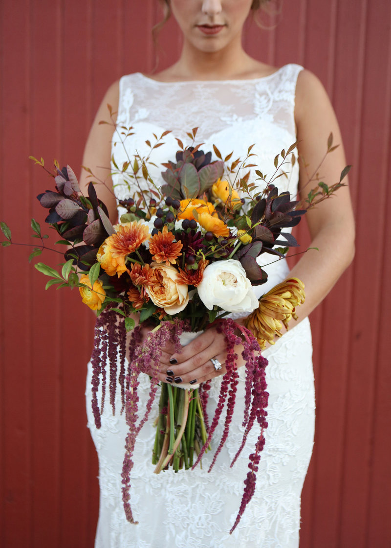 Nebraska-and-Iowa-Fall-Barn-Wedding-Planner-and-Florist-by-Lindsay-Elizabeth-Events208
