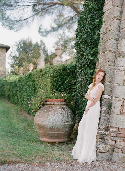 Molly-Carr-Photography-Paris-Film-Photographer-France-Wedding-Photographer-Europe-Destination-Wedding-Villa-Di-Geggiano-Siena-Tuscany-Italy-17