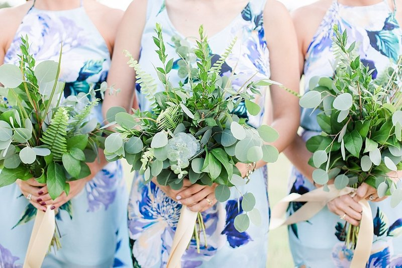 Navy and greenery botanical wedding at The Lodge at Country Inn _ Cottages Wedding Venue in Fredericksburg Texas_0033
