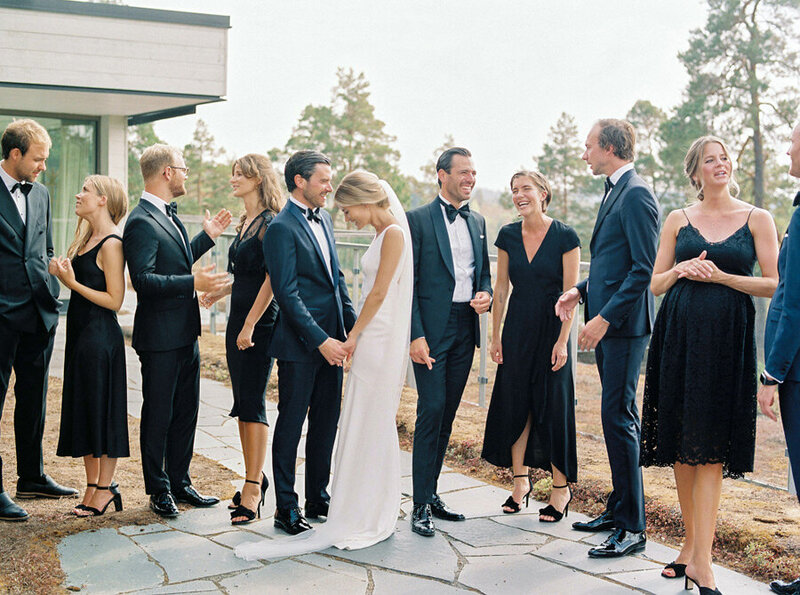 013-example-on-how-to-pose-large-groups-of-the-wedding-party