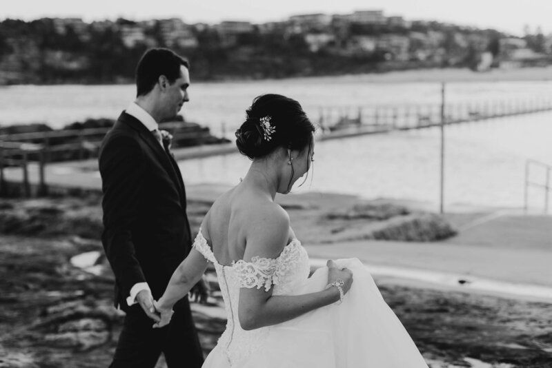 Images-by-Kevin-manly-wedding-ceremony-beachside-dojo-23