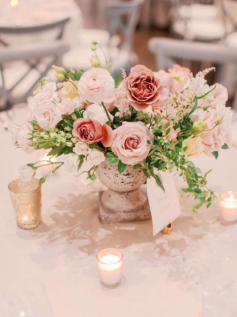 Dusty+Rose+and+Blush+Historic+Post+Office+Hampton+June+Wedding+Courtney+Inghram+Floral+Design