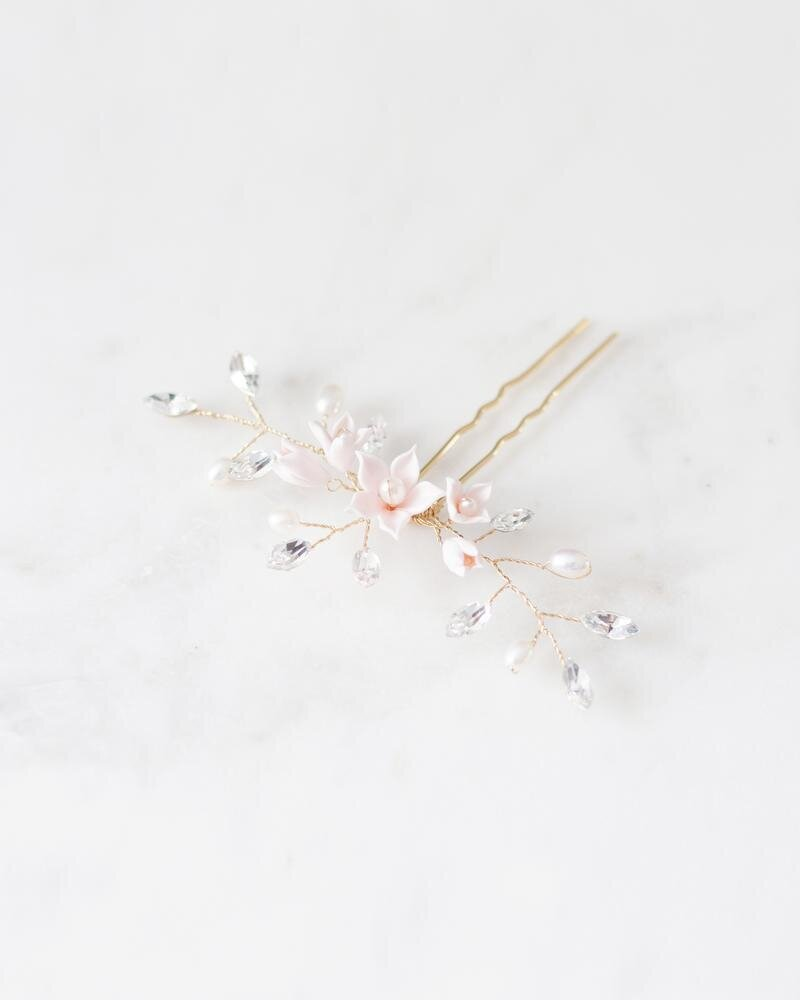 belle-fleur-hair-pin-gold-blush-pearl-2-atelier-elise-2400_800x