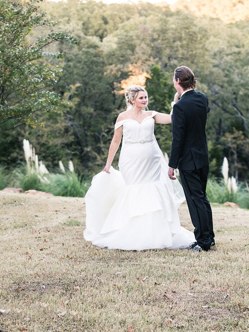 Springs-Event-Venue-Fort-Worth-Wedding-Moni-Lynn-Images_0024