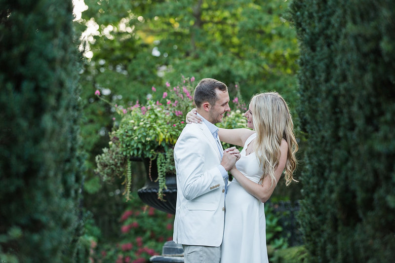 Engagement-Session-White-Hall-Garden-Louisville-Kentucky-Photo-by-Uniquely-His-Photography065
