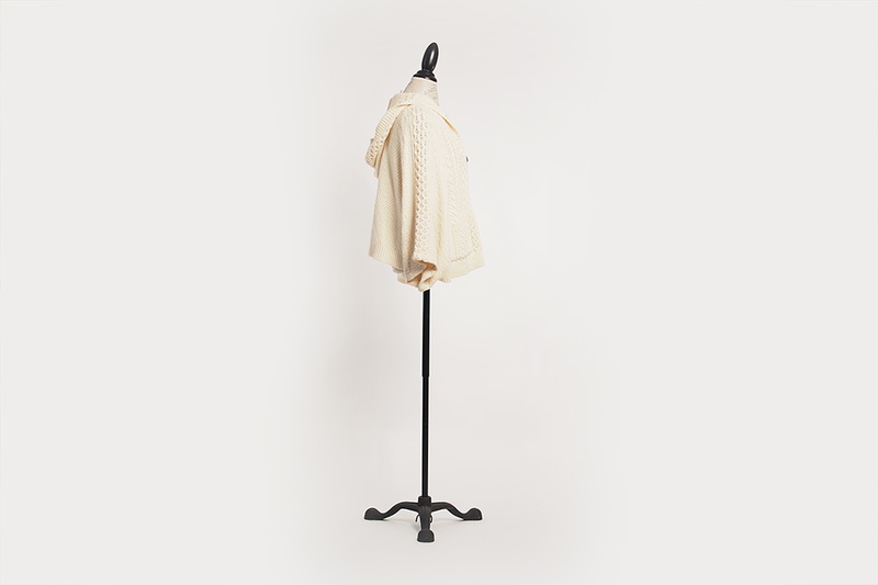 anthroplogie-knit-cape-cream-04