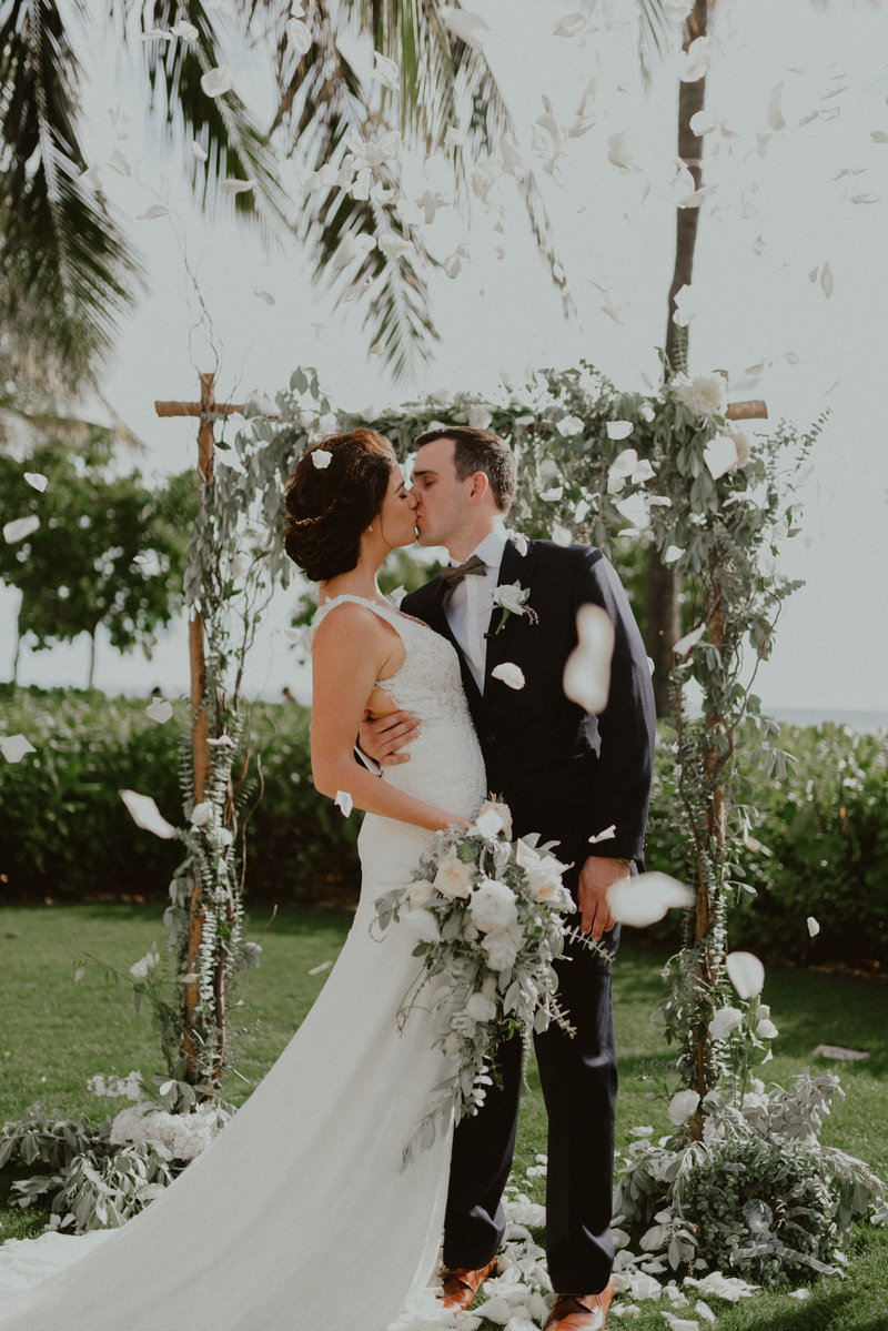Four-Seasons-Oahu-Ko-Olina-Wedding-Hawaii-Chelsea-Abril-Photography