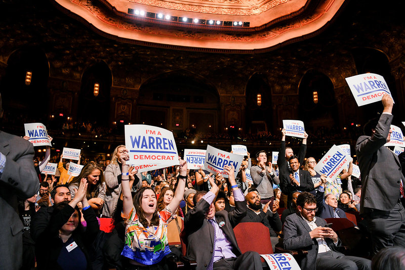 Elizabeth Warren 2020 democratic presidential primary crowd cheering