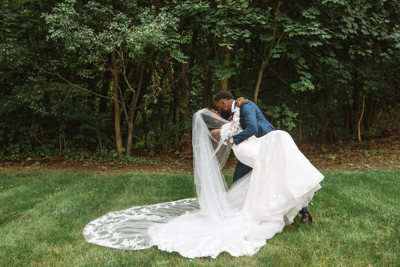 Mei Lin Barral Photography_elegant romantic massachusetts backyard wedding-45