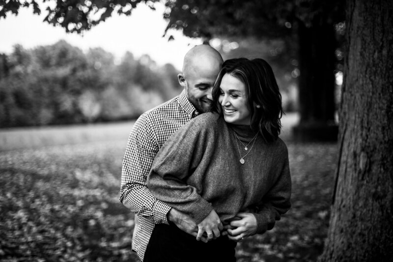 Man surprises fiancee during engagement photos in Girard PA