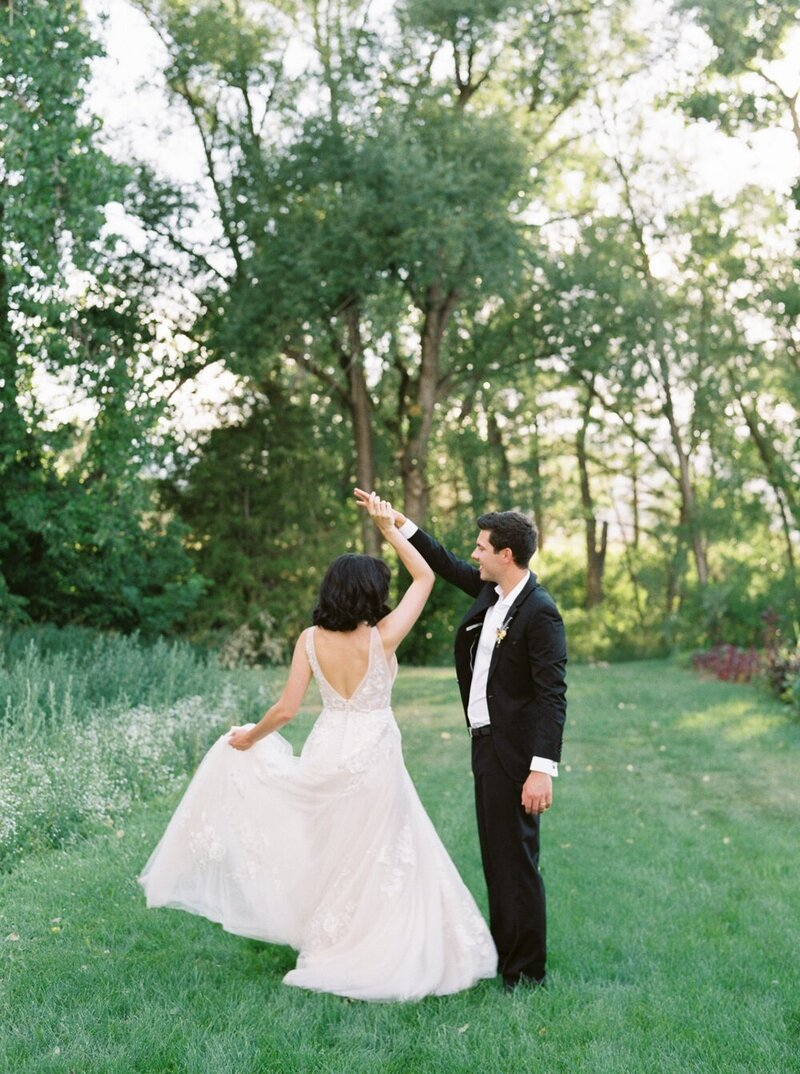 Lush and Romantic Wedding at a Flower Farm_0011