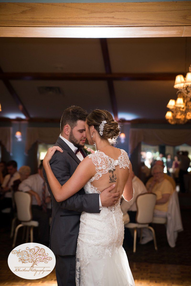 Belhurst Castle Pictures Geneva NY Syracuse Wedding Photographer-52