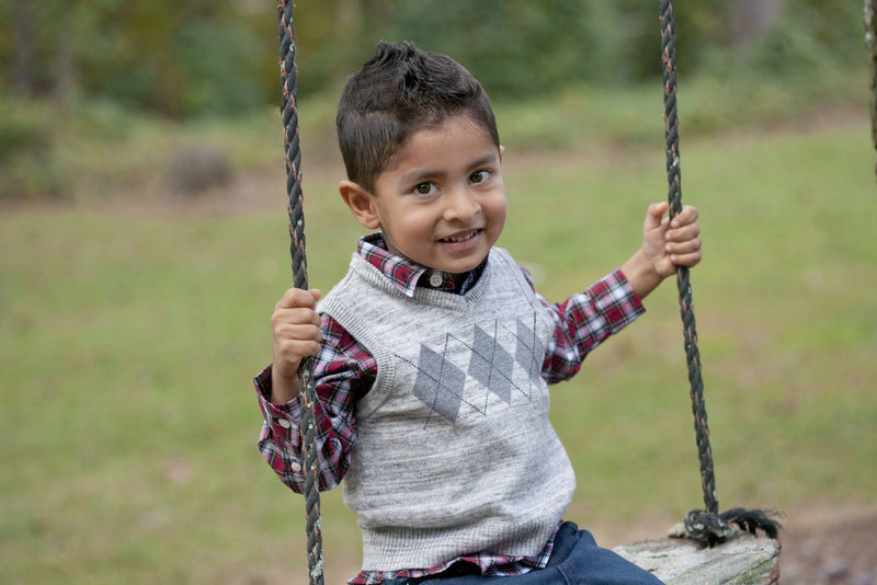 monroe_photographer_a_focused_life_photography_children_kid_loganville_boy_plaid_rope_swing_review