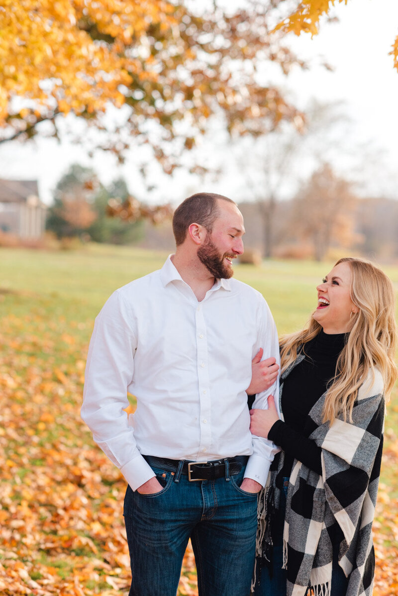 Minnesota-fall-puppy-engagement-photos-12