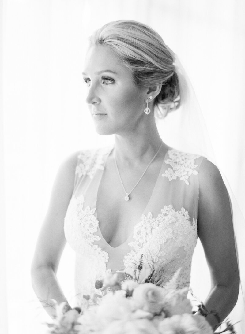 testimonial photo, black and white portfolio of a bride in a lace dress