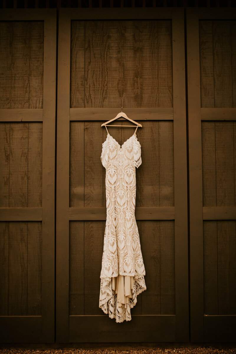 Earthen Real, Raw and Authentic Styled Wedding  Allison Slater Photography81