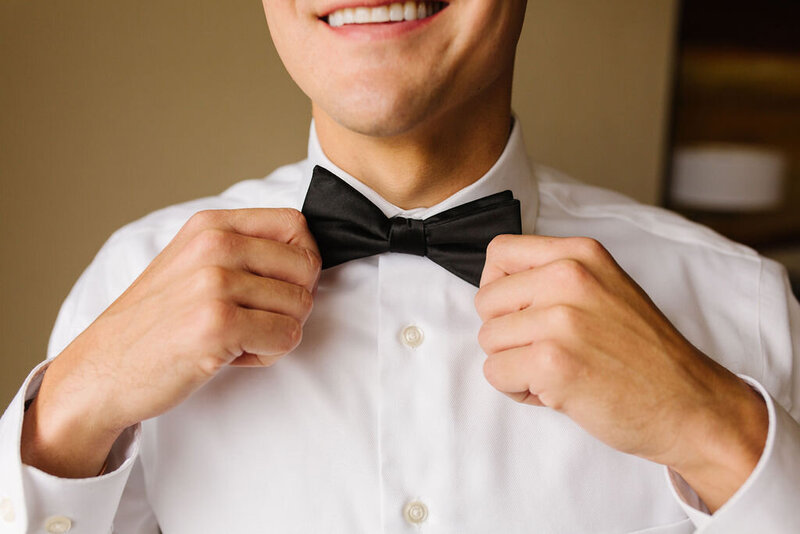 groom-black-bowtie