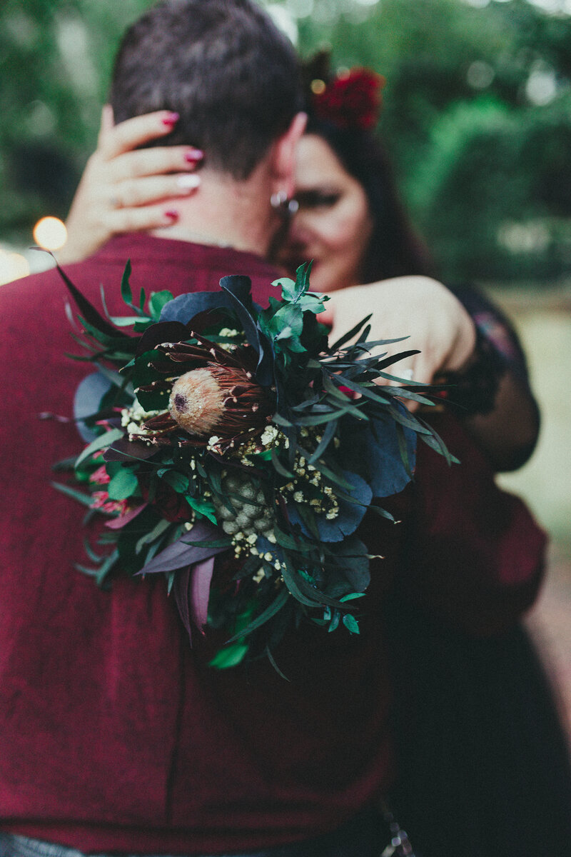 dried-dead-flowers-gothic-wedding-bouquet-savannah-georgia-breaking-tradition