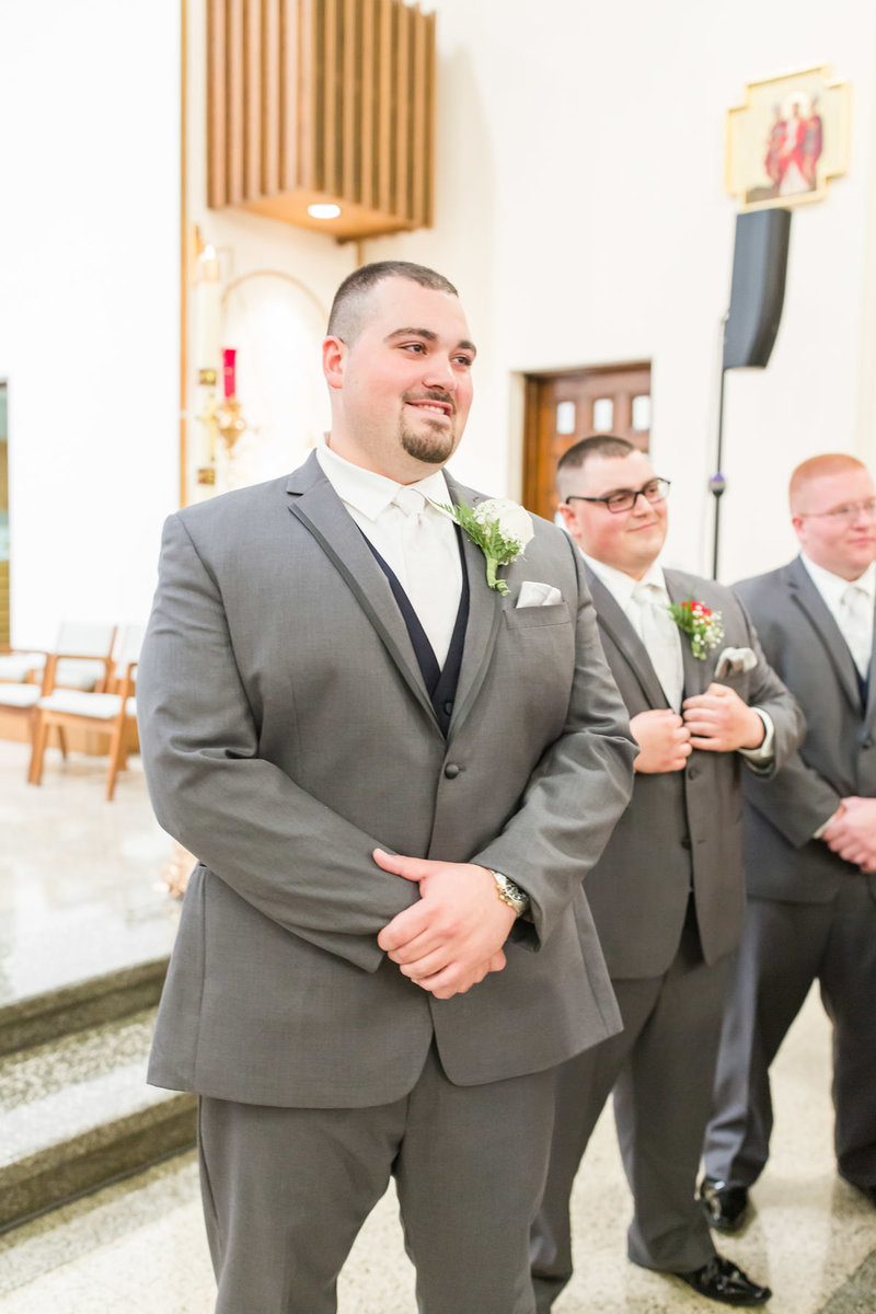 Classic-spring-St- Francis-church-tornto-ohio-wedding-9