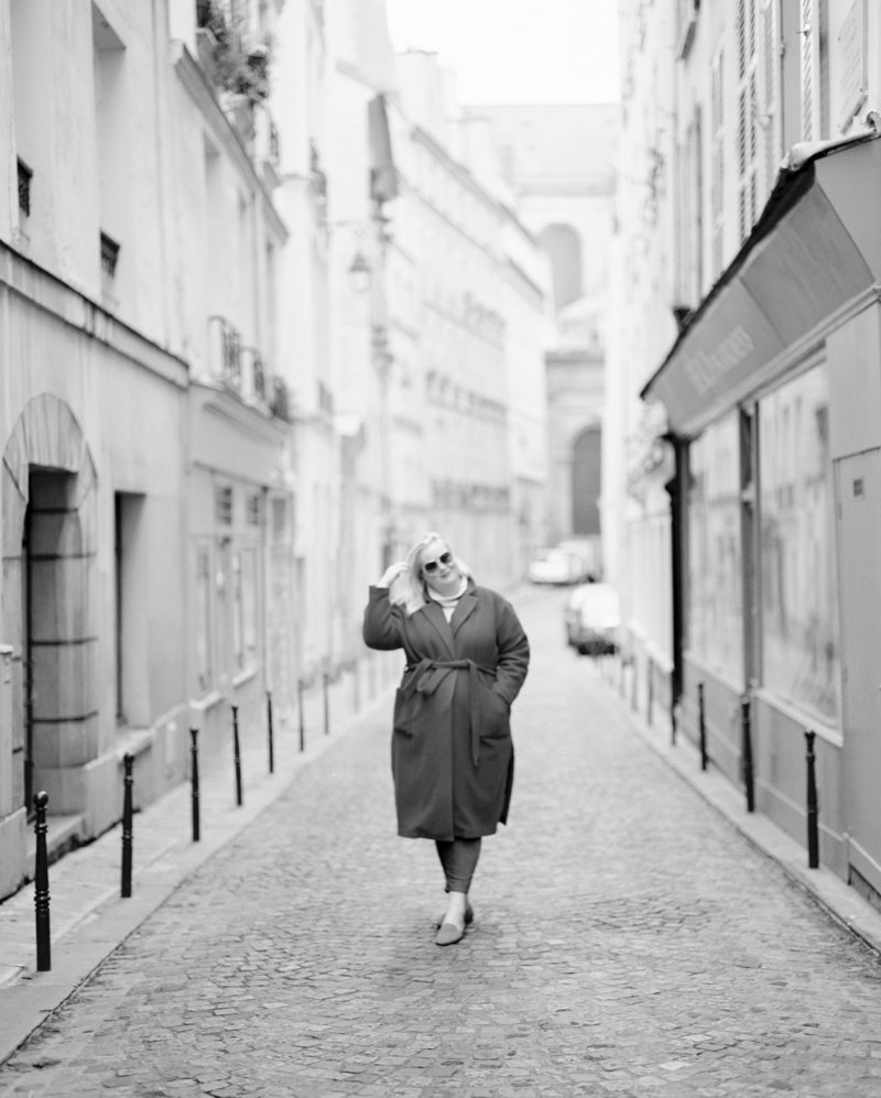 DArcy-in-Paris-Streets-Oct2019-02-BW