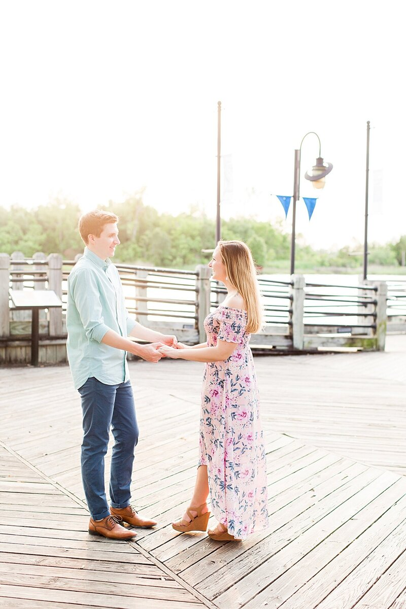 Downtown-Wilmington-NC-Engagement-Photos19