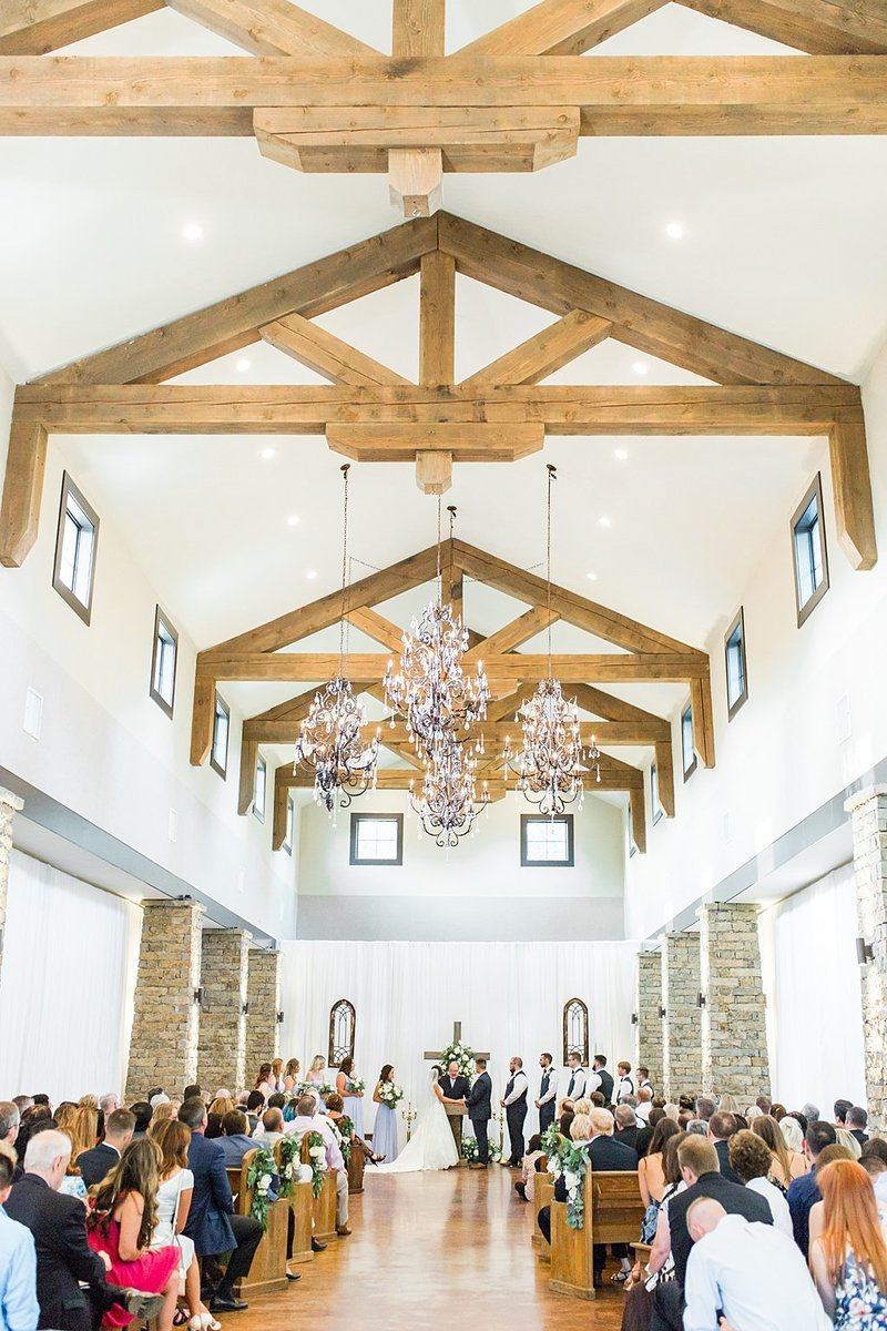 The Lodge at Country Inn and Cottages in Fredericksburg Texas Wedding Venue photos by Allison Jeffers Photography_0058