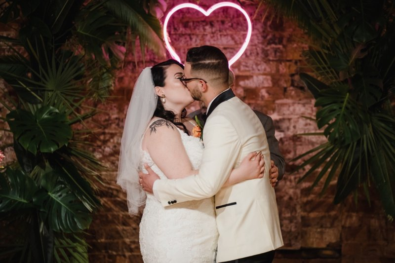 rhinegeist-neon-pink-tropical-wedding-116