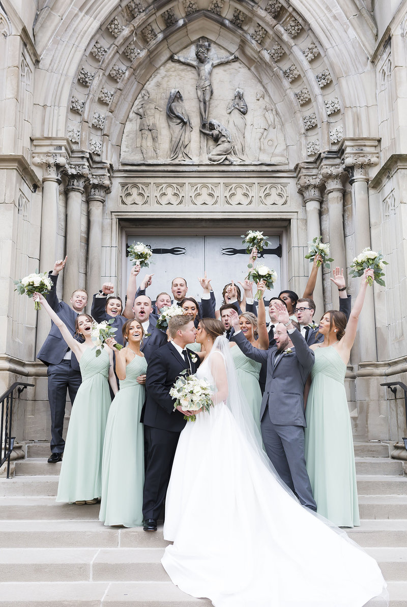 Mint And Cream Indianapolis Indiana Wedding_000