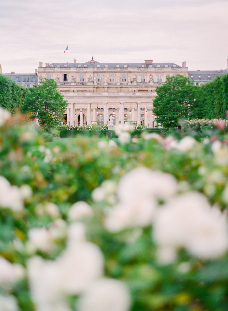 Paris-Wedding-Photographer-Film-Photographer-France-Molly-Carr-Photography-43