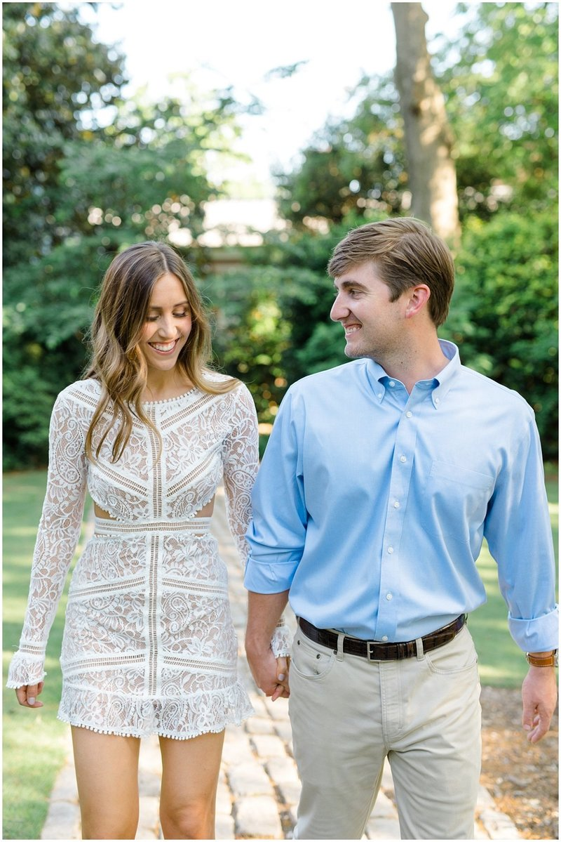 north-georgia-wedding-photographer-uga-founders-garden-engagement-athens-georgia-laura-barnes-photo-05