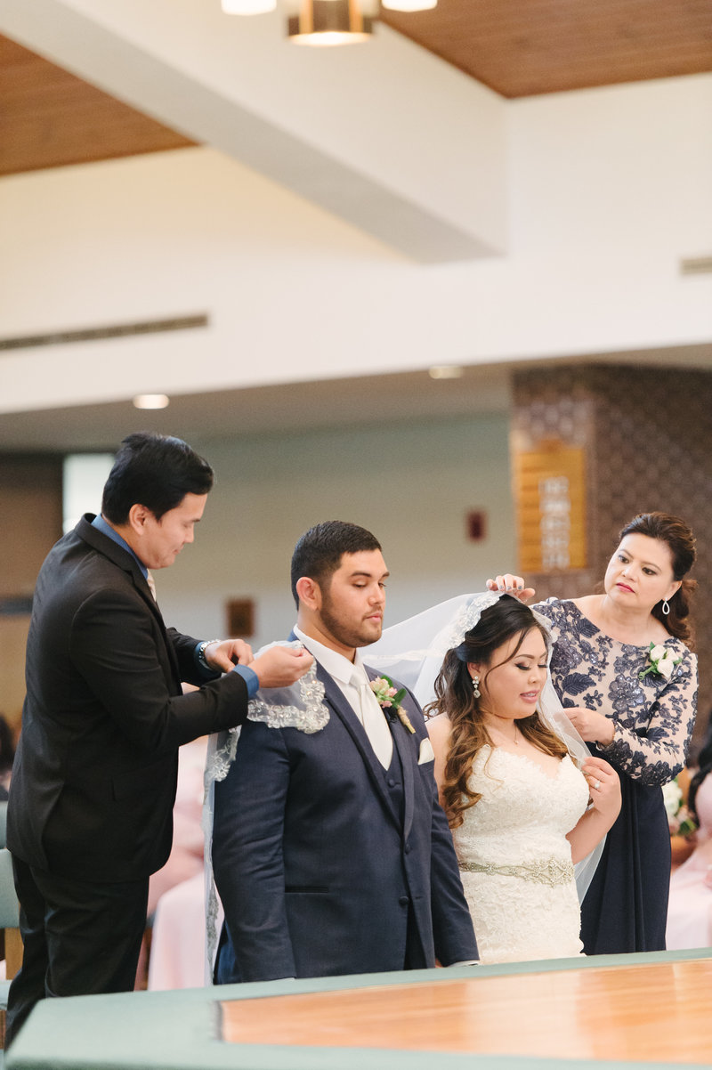 Ceremony-Schmitz-Sarah-Street-Photography-132