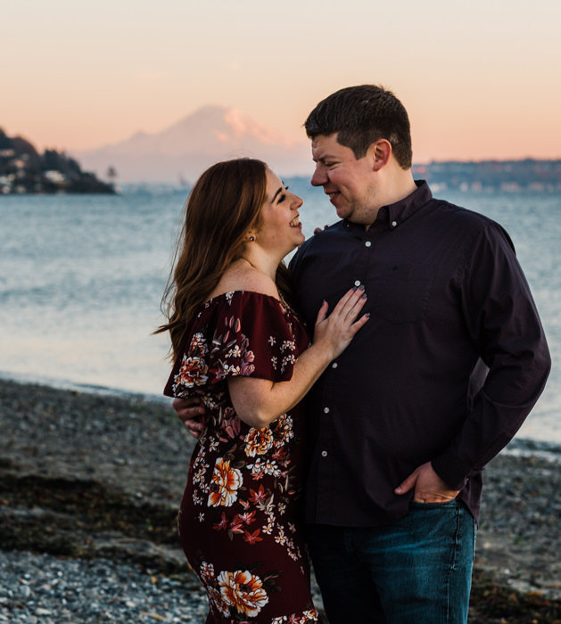 seattle-engagement-sunset-photos-amy-galbraith-discovery-park