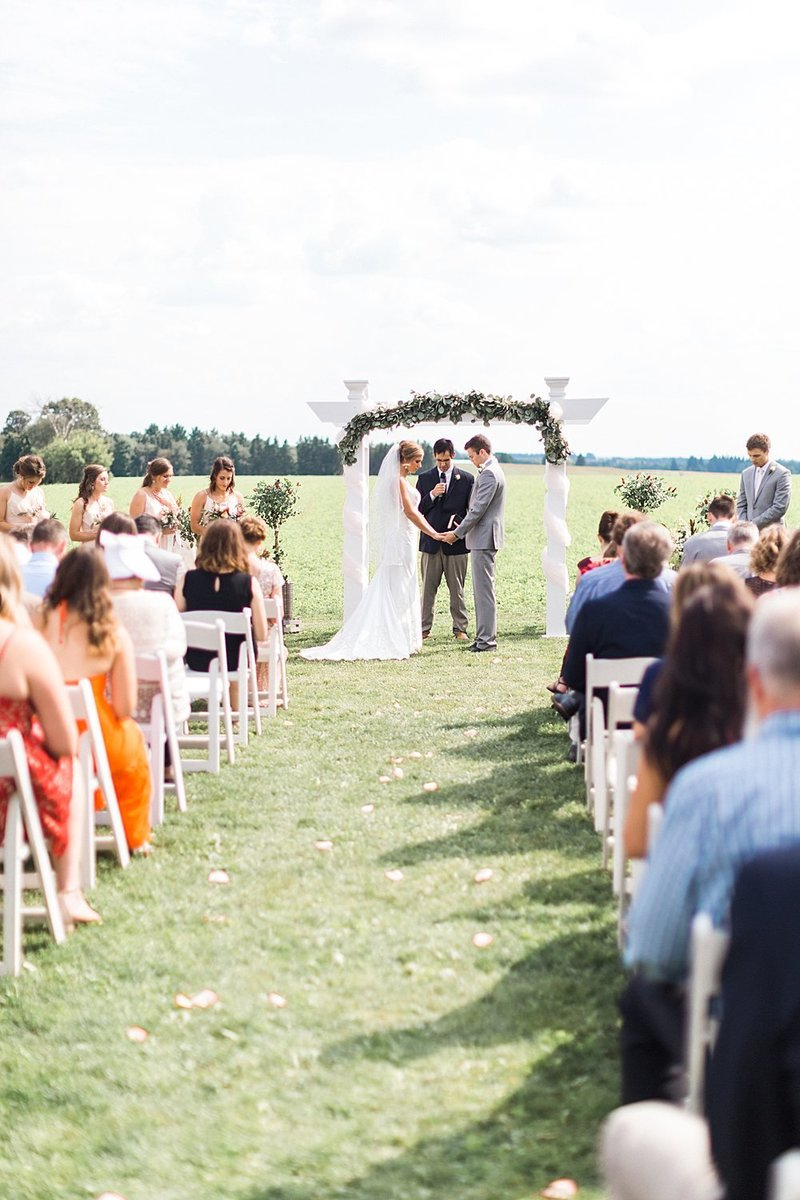 064_Tansy-Hill-Farms_Summer-Wedding-James-Stokes-Photography
