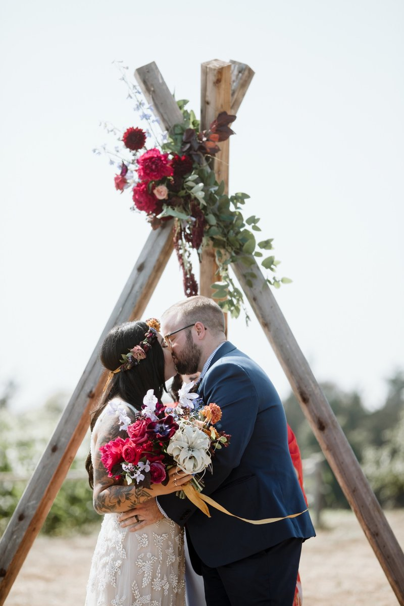 santa-cruz-cowell-ranch-hay-barn-wedding-71