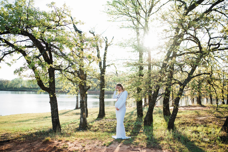 Jodi-Oklahoma-Family-Maternity-Photos-Sew-Trendy-White_Gabby Chapin_Originals_0137