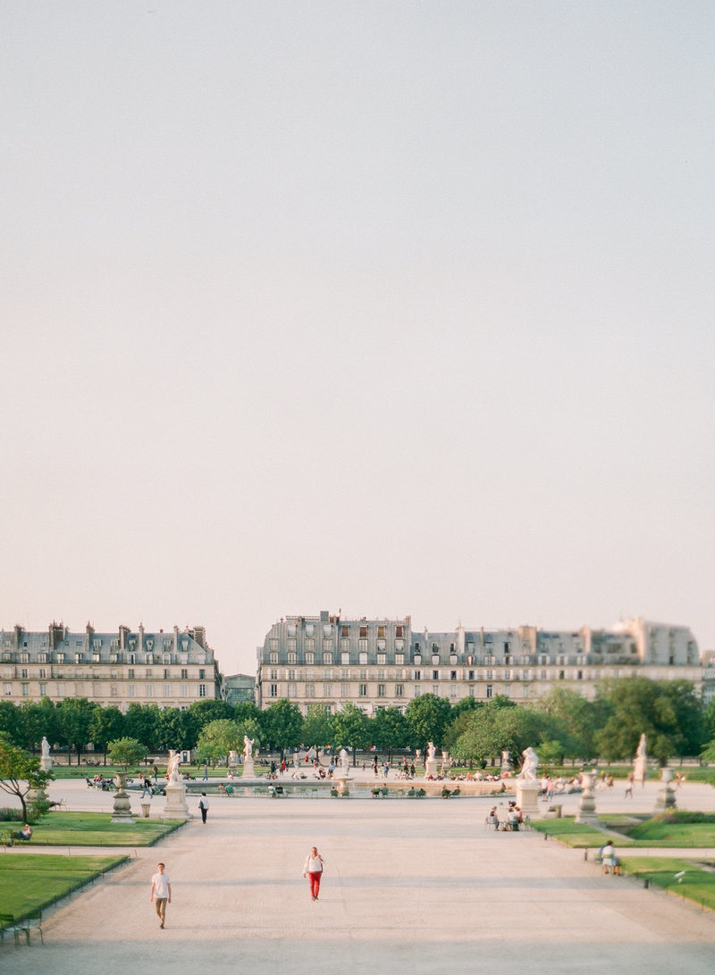 Paris-Wedding-Photographer-Film-Photographer-France-Molly-Carr-Photography-39