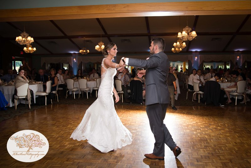 Belhurst Castle Pictures Geneva NY Syracuse Wedding Photographer-53