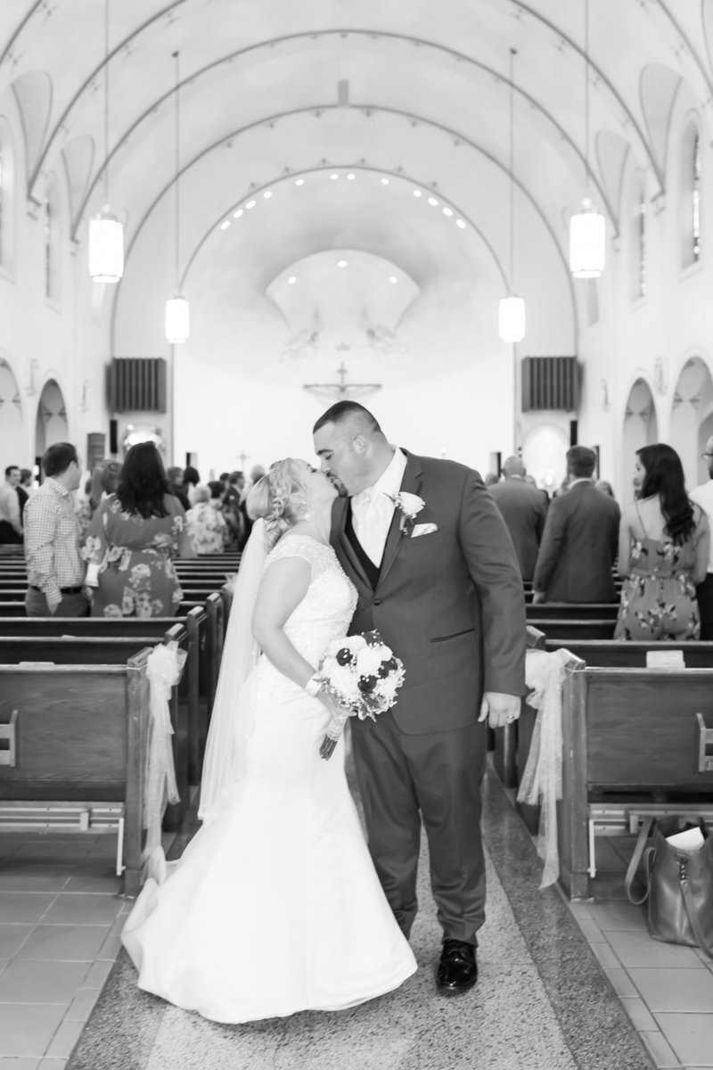 Classic-spring-St- Francis-church-tornto-ohio-wedding-16