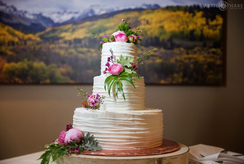 Wedding-Cake-Reception-at-Aurum-Food-and-Wine-Restaurant
